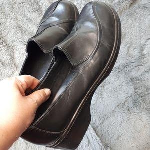 Clarks Black Leather Slip-On Loafer Shoe 9.5 Wide